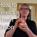 How to select a fresh onion - thumbnail