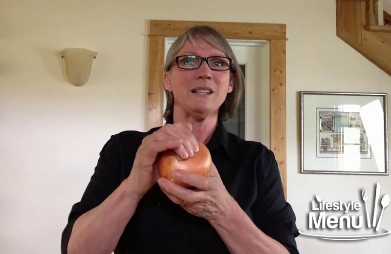 How to squeeze an onion with two hands